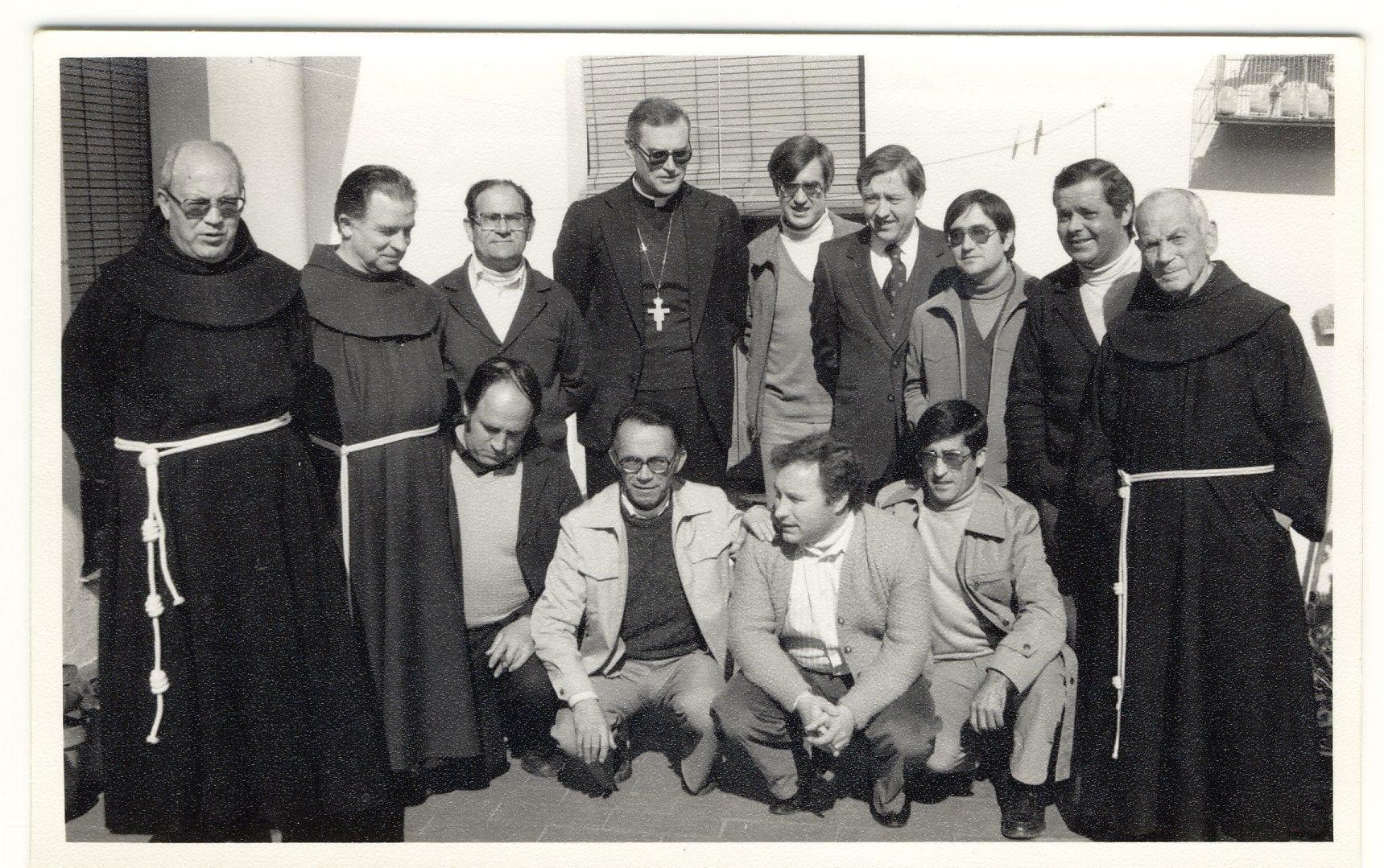 Fr. Pacífico y otros