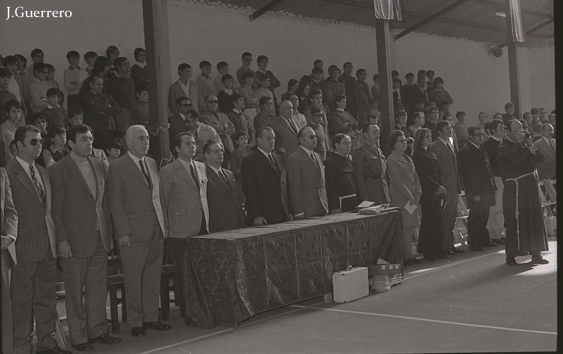 Inauguración Polideportivo en los años 70