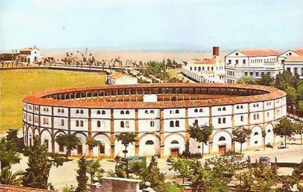 1961 - Plaza de Toros y Paseo Alto al fondo