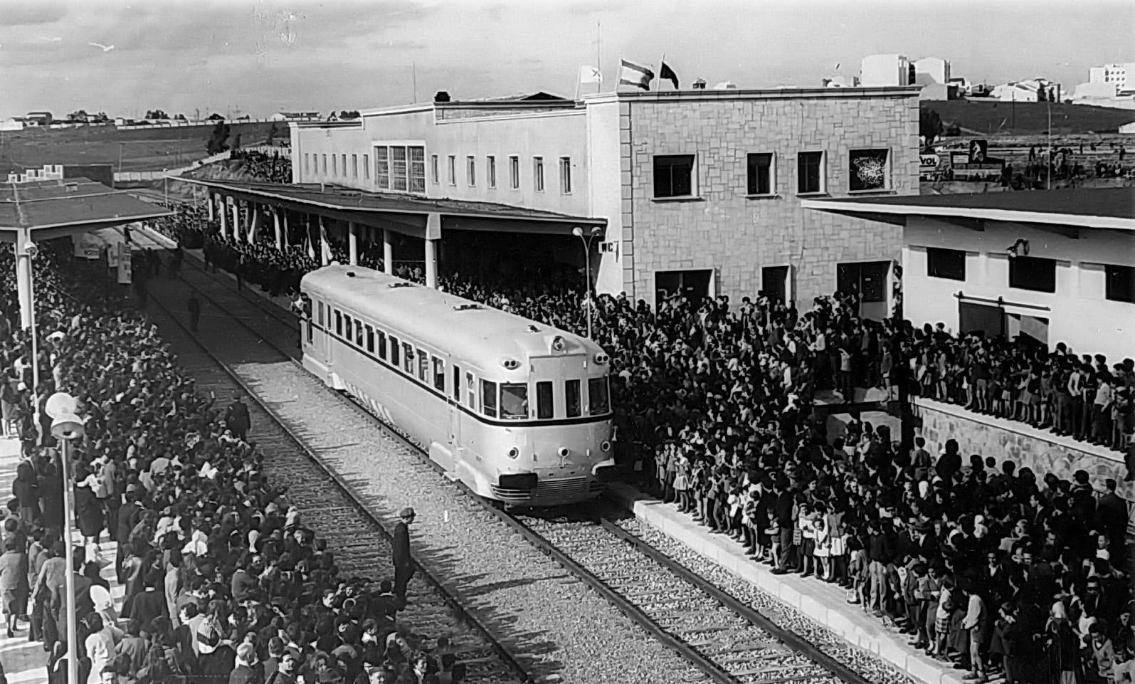 1963 - Inauguración de la nueva estación - Foto: Arch. Municipal de Cáceres