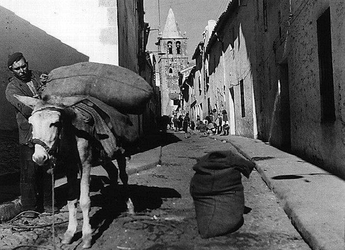 Un piconero de Malpartida en la calle Caleros