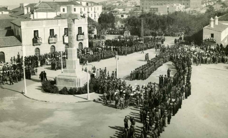 1938 - Jura de bandera en la Cruz de los Caídos de Cáceres