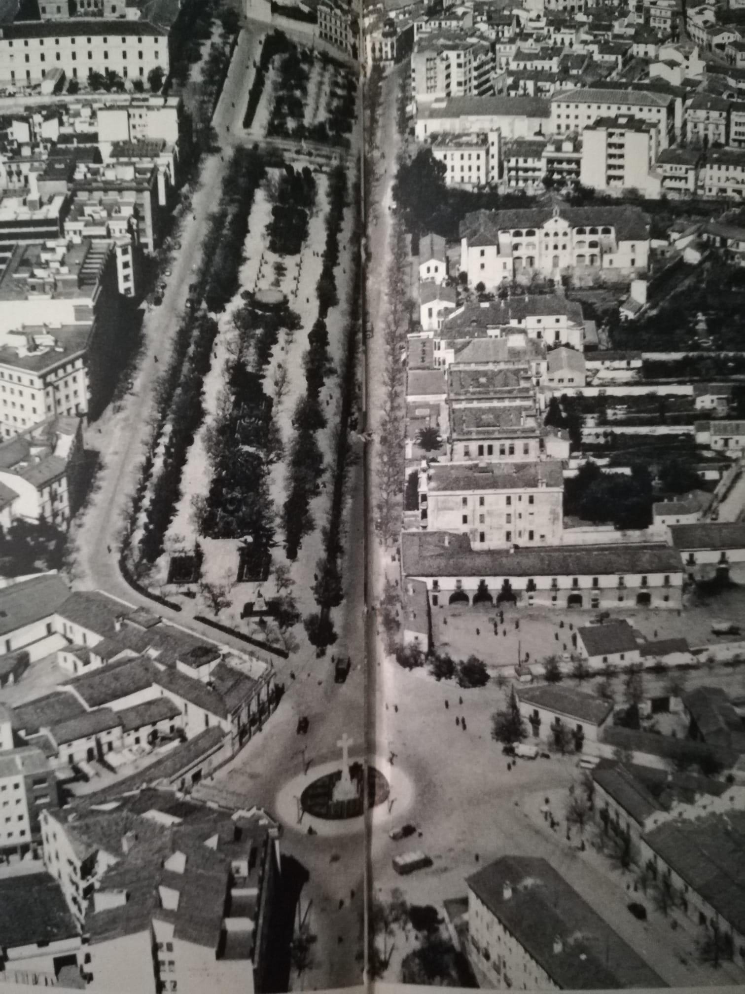 Vista aérea Plaza América y Paseo de Cánovas