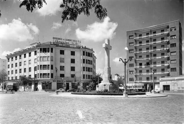 1964 - Plaza de América y Cruz de los Caídos de Cáceres
