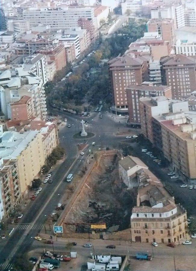 1980 - Derribo manzana para Edificio El Descubrimiento