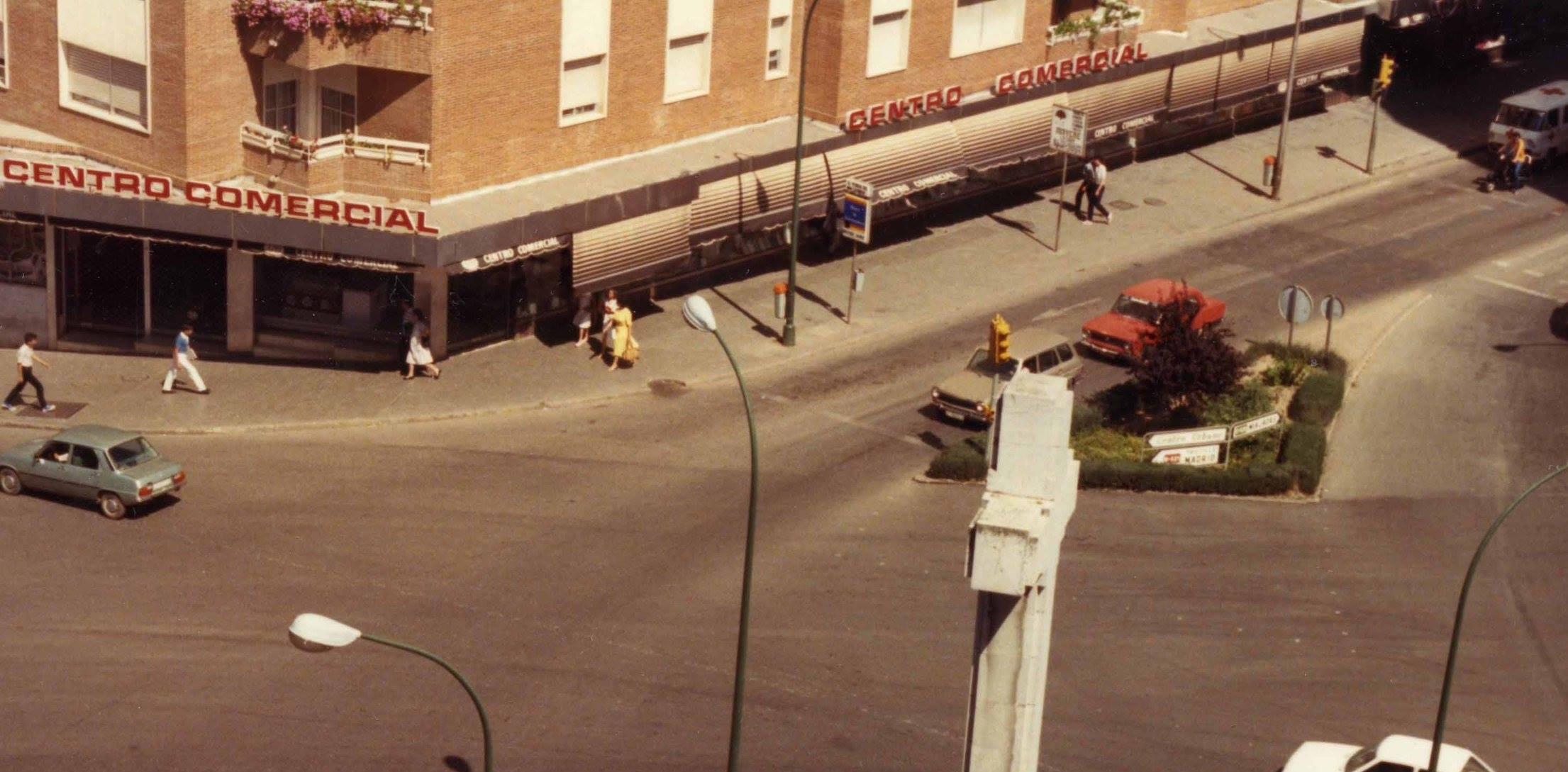 1985 - Centro Comercial