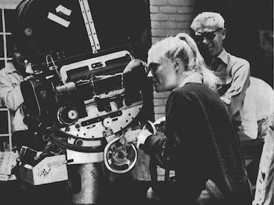 Operadora de cámara - Yvette Mimieux